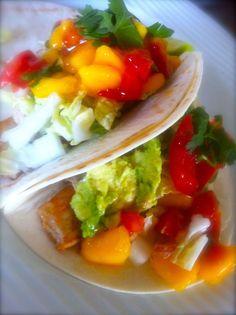 Seared Ahi tuna tacos