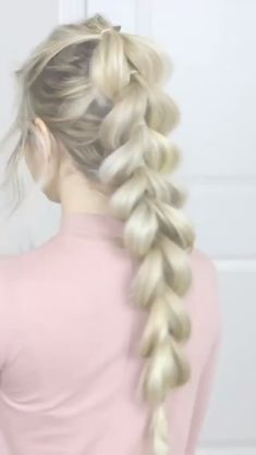 In this quick and easy hair tutorial, shows us how its done with her Ash Blonde Luxy Hair Extensions! Easy Hairstyles, Girl Hairstyles, Waitress Hairstyles For Long Hair, Hairstyles For Women, Pretty Hairstyles For School, Casual Hairstyles For Long Hair, Athletic Hairstyles, Long Braided Hairstyles, 5 Minute Hairstyles