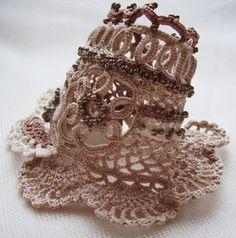 Crochet boho cuff, Cuff bracelet, Beaded cuff, Irish crochet cuff, Crochet bracelet, Beige cuff, Vintage style, Crochet cuff, Handmade cuff by KSZCrochetTreasures on Etsy Form Crochet, Bead Crochet, Irish Crochet, Crochet Patterns, Textile Jewelry, Fabric Jewelry, Crochet Necklace Pattern, Crochet Earrings, Fancy Hands