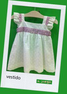 Vestido blanco con detalles en lila