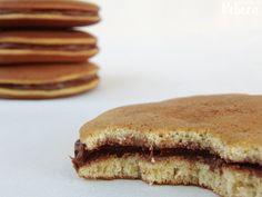Dorayakis (tortitas japonesas rellenas) Sweet Desserts, Sin Gluten, Sandwiches, Snacks, Cookies, Breakfast, Recipes, Foods, Chocolate Spread