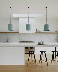 🙌🏼 these Babanees Stools were spotted on a recent post by The beautiful Hovering House by 📷 by… Interior Design Styles Quiz, Online Interior Design Services, White Paint Colors, White Paints, Dulux Whisper White, Dulux Natural White, Modern Room, Decor Styles, Furniture