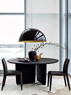A small dining room can also be beautiful and luxurious if you choose the perfect dining table or just change your dining chairs. Today Modern Dining Tables will give you some tips for you to improve Luxury Dining Tables, Luxury Dining Room, Dining Table Design, Modern Dining Table, Round Dining Table, Dining Rooms, Room Interior Design, Living Room Interior, Decoration Inspiration