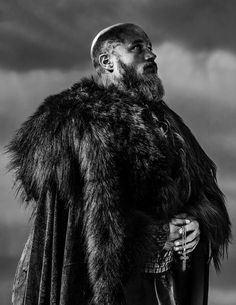 I'm afraid something is going to happen to the Priest, because Ragnar is sad and holding the cross of the priest!!