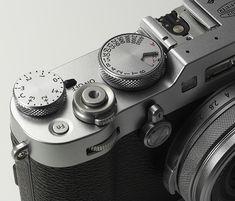 Fujifilm : comme un air de - Le Monde de la Photo Vintage Cameras, Cool Backpacks, Best Investments, Best Camera, Camera Accessories, Fujifilm, Industrial Design, Photography, Products