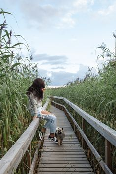 finland summer causeway / ripped jeans / finnish blogger annika ollila