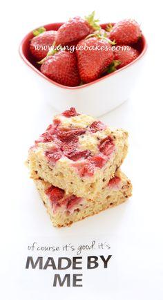 Zdravý jogurtový koláč s jahodami | Angie bakes