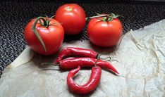 Gene-editing to make tomatoes taste like peppers. Far greater yields, better taste/heat consistency, easier growing in wider range of conditions. Grow Your Own, Chile, Garden Design, Spicy, Succulents, Organic, Stuffed Peppers, Fruit, Vegetables