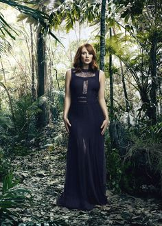 Bryce Dallas Howard - special photo shoot for JURASSIC WORLD - UNIVERSAL - kulturmaterial