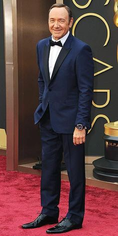 Kevin Spacey looks so rad in this tailored navy + black tuxedo.