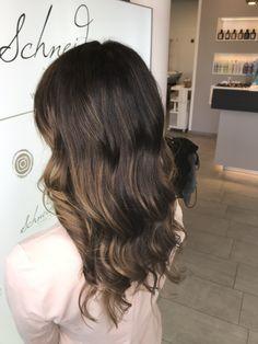 Balayage hair color Hair Color Balayage, Long Hair Styles, Beauty, Shaving Machine, Barber Salon, Hair Stylists, Balayage Hairstyle, Dressmaking, Shaving