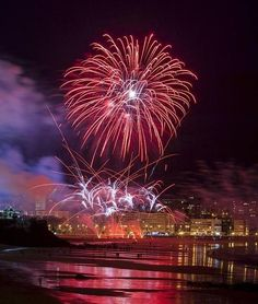 Fire Works, Festivals Around The World, Valencia, Fireworks Displays, Real Life, Places To Visit, Fair Grounds, Around The Worlds, Sky