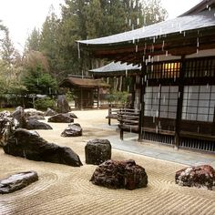 Peacefully rainy #EasterSunday in #Kouyosan. Rain cascades off the #temple tops of #Kongobuji forming moats amidst #Banryutei, the largest rock garden in #Japan.