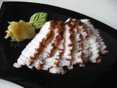 Niguiri e sashimi de polvo.