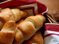 Koskenlaskija -sarvet Going Vegan, Hot Dog Buns, Food And Drink, Vegetarian, Bread, Baking, Patisserie, Becoming Vegan, Breads