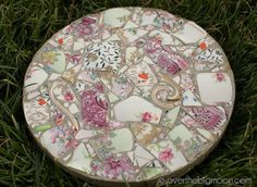 Broken Dishes Stepping Stones. Not only functional but also can be used to decorate your garden. Make the walk in your garden more exciting and fun.