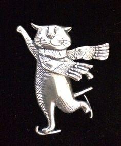 Edward Gorey Cat Skating Pin Sterling Silver 925 Ice Skating Scarf #EdwardGorey #SkatingCat #Ebay #JAFQT #Cat #Kitten