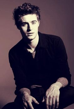 Max Irons...he's just....fnsakjsna