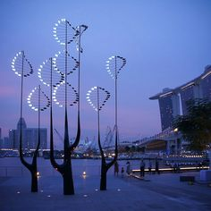 Welcome to Day 5 of Singapore's Super Trees here on DDOA! Today we we will go around Singapore to spot and learn about the most TREEmendous sculptures on the island.   First Stop: Vivo City S…