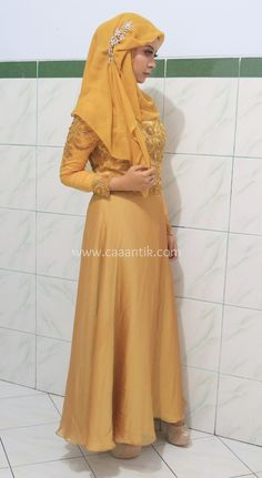 Muslim Engagement makeup+hijab tutorial and outfit!   http://caaantik.com/132298/belajar-makeup-tutorial-makeup-lamaran-hijab-dan-outfit.html