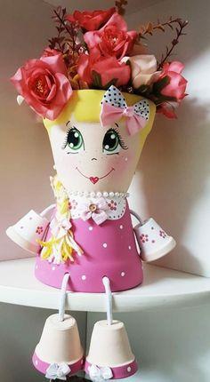 Muñeca Flower Pot Art, Clay Flower Pots, Terracotta Flower Pots, Flower Pot Crafts, Ceramic Flower Pots, Clay Pots, Flower Pot People, Clay Pot People, Clay Pot Projects