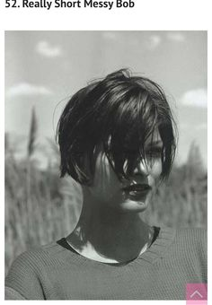 The Ode To: Linda Evangelista's bob - Hairstyles For Women 2015 Hairstyles, Short Bob Hairstyles, Trendy Hairstyles, Pixie Haircuts, Medium Hairstyles, Braid Hairstyles, Wedding Hairstyles, Linda Evangelista, Short Hair Cuts For Women