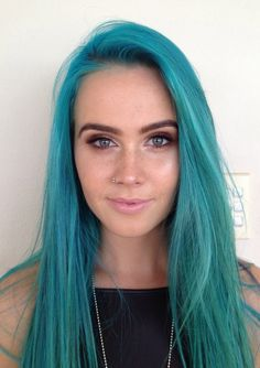 Wish I could pull off this color. @dj_tigerlily