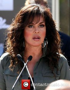 Showgirls march up Las Vegas Strip in a sign of solidarity with the American Consumer Marie Osmond Hot, Osmond Family, The Osmonds, Jazz Musicians, Las Vegas Strip, Showgirls, Hair Makeup, Hair Cuts, Beautiful Women