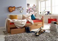 Liege aus massiver #Buche. Stellmaß: L 210 / H 59 / B 101 cm. Toddler Bed, Bench, Storage, Furniture, Home Decor, Pool Chairs, Child Bed, Purse Storage, Decoration Home
