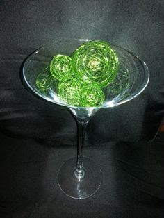 Champagne flute for a great centerpiece at dress-my-venue.com