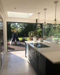 Outstanding modern kitchen room are offered on our site. Check it out and you wont be sorry you did. Open Plan Kitchen Living Room, Kitchen Dining Living, Home Decor Kitchen, Interior Design Kitchen, New Kitchen, Home Kitchens, Kitchen Ideas, Kitchen Modern, Farmhouse Kitchens