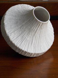 die 284 besten bilder von white vases in 2019 vase wei vase und porzellan
