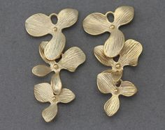 10% OFF (10 Pieces) . Cascading Orchid Brass Connector . 16K Matte Gold Plated over Brass Frme / 10 Pcs - AC039-MG