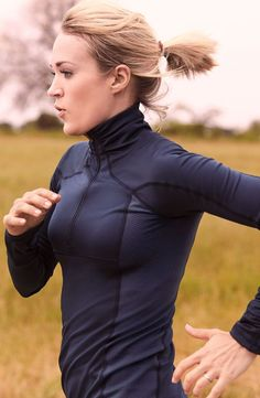 Liven up your outerwear with the CALIA™ by Carrie Underwood Women's Warm Quarter Zip Long Sleeve Shirt. Moisture-wicking and antimicrobial technology maximize performance by keeping you dry and fresh, while BODYWARM fabric with a brushed interior keeps you warm. A quarter zip front lends custom coverage, and thumbhole cuffs hold the look in place. Find your best fit and feel in any weather with the CALIA™ Warm Quarter Zip Top.   CALIA by Carrie Underwood