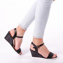 Női szandál Kalapod - page 2 Wedges, Shoes, Fashion, Moda, Zapatos, Shoes Outlet, Fashion Styles, Shoe, Footwear