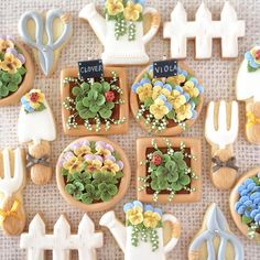 """1,790 Likes, 94 Comments - fiocco-cookies (@fiocco_cookies) on Instagram: """"『Gardening』 ・ 3月のfioccoアイシングクッキーレッスン詳細をBlogにアップしました♪ ・ http://fiocco-cookies.blogspot.jp/ ・…"""""""