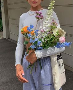 Spring Aesthetic, Flower Aesthetic, Summer Outfits, Cute Outfits, Mode Vintage, My Flower, Pretty Flowers, Fresh Flowers, Spring Flowers