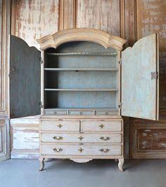 Century Swedish Rococo Period Cabinet at Swedish Decor, Swedish Style, Swedish Design, Chalk Paint Furniture, Hand Painted Furniture, Country Furniture, Vintage Furniture, Handmade Furniture, Furniture Styles