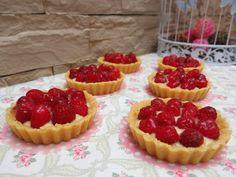 Tomillo, laurel y otras cosas de comer.: TARTALETAS DE LEMON CURD Y FRAMBUESAS Cheesecake, Desserts, Food, Raspberries, Sweets, Deserts, Strawberry Fruit, Homemade, How To Make