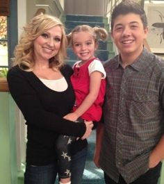 mia talerico / bradley steven perry / leigh allyn baker / good luck charlie