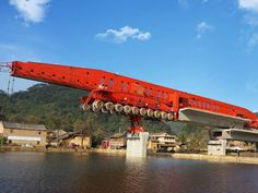 Bridge Girder Launcher Integrating Carrying and Erecting Civil Construction, Bridge Construction, Diesel Trucks, Gantry Crane, Tractor Loader, Heavy Machinery, Civil Engineering, Cool Tools, Heavy Equipment