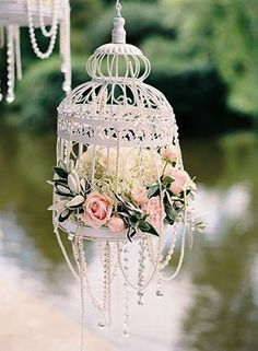 Roses and pearls birdcage