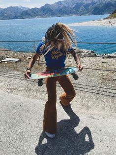 #skatergirl #orangeandblue #flares #tshirt #70s #retrostyle #newzealand #monsroyale