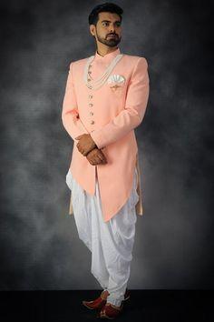 ideas for mens fashion indian wedding suits Sherwani For Men Wedding, Wedding Dresses Men Indian, Sherwani Groom, Wedding Dress Men, Wedding Suits, Mens Sherwani, Mens Indian Wear, Mens Ethnic Wear, Indian Men Fashion