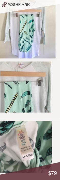 New! LulaRoe Mint Feather OS leggings w/Med Randy! New! LulaRoe Mint Feather OS leggings with a Med Randy! LuLaRoe Tops