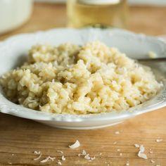 Genau das Richtige für kühle Tage. Das italienische Reisgericht besticht mit einfachen Zutaten, cremiger Konsistenz und fein-würzigem Geschmack.
