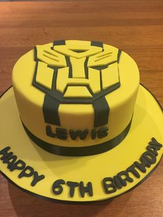 Transformer Bumble Bee cake
