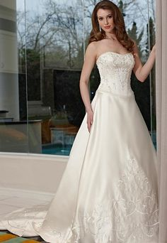 A-line/Princess Strapless Chapel  Bridal Gown (3AA0564)