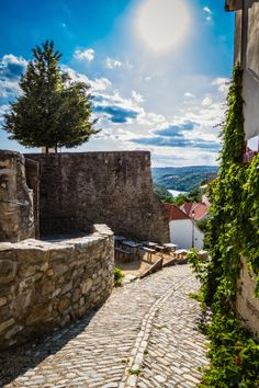 The streets near the Castle of Znojmo, Czech Republic. One of the most beautiful views. Prague, Travel Around The World, Around The Worlds, Largest Countries, Central Europe, Future Travel, Travel Goals, Germany Travel, Czech Republic