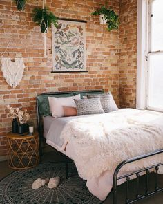 Why People Aren't Discussing Brick Wall Bedroom - futthome Bedroom Apartment, Home Bedroom, Apartment Living, Bedroom Decor, Bedrooms, Bedroom Lighting, Living Room, Modern Bedroom, Bedroom Furniture